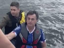 Brasil superó las 11 mil muertes por coronavirus mientras Bolsonaro paseaba en moto acuática