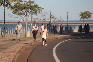 Unos 10 mil posadeños disfrutaron de la jornada de caminatas en la Costanera Parque