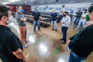 La alegría de volver a trabajar: el miércoles reabre la fábrica de Dass en Eldorado