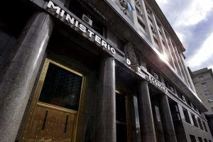 Gobierno prorrogó hasta el 24 de julio el plazo para aceptar la oferta de reestructuración