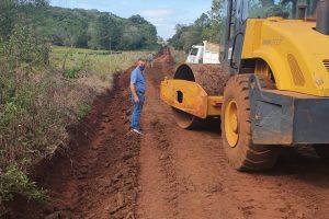 Continúan las obras de mejoras de caminos en Campo Grande