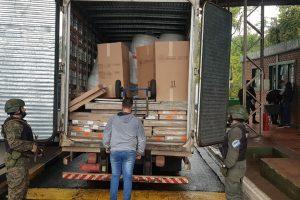 Las fronteras cerradas disparan el contrabando brasileño: decomisaron 2,5 millones en muebles