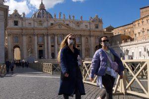 """El Vaticano se declaró libre de Coronavirus, pero el Papa pidió """"no cantar victoria aún"""""""