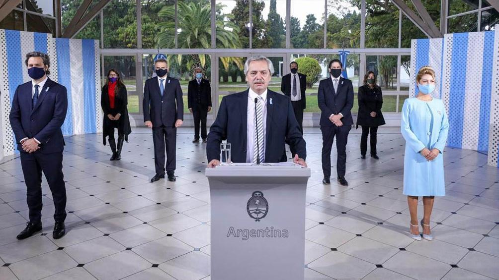 """En el Día de la Bandera, Fernández dijo que Belgrano """"inspira a hacer la utopía de un país mejor"""""""