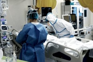 Otras 155 personas murieron y 7.477 fueron diagnosticadas con coronavirus en el país