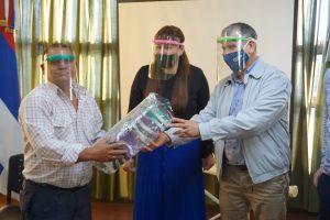 Trabajo y el CGE entregaron mil mascarillas faciales a trabajadores tareferos