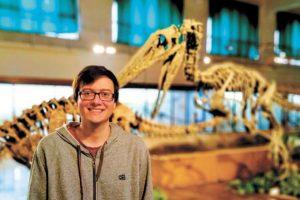 El obereño Matías Motta, uno de los descubridores de una nueva especie de dinosaurio