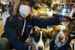 Coronavirus: un misionero está varado en Perú pero se niega a regresar sin sus perros