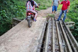 El Soberbio: vecinos construyeron una parte de un puente y piden concluir el viaducto