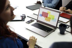 Las mujeres tienen mayor participación en empresas pero pocas acceden a puestos de liderazgo