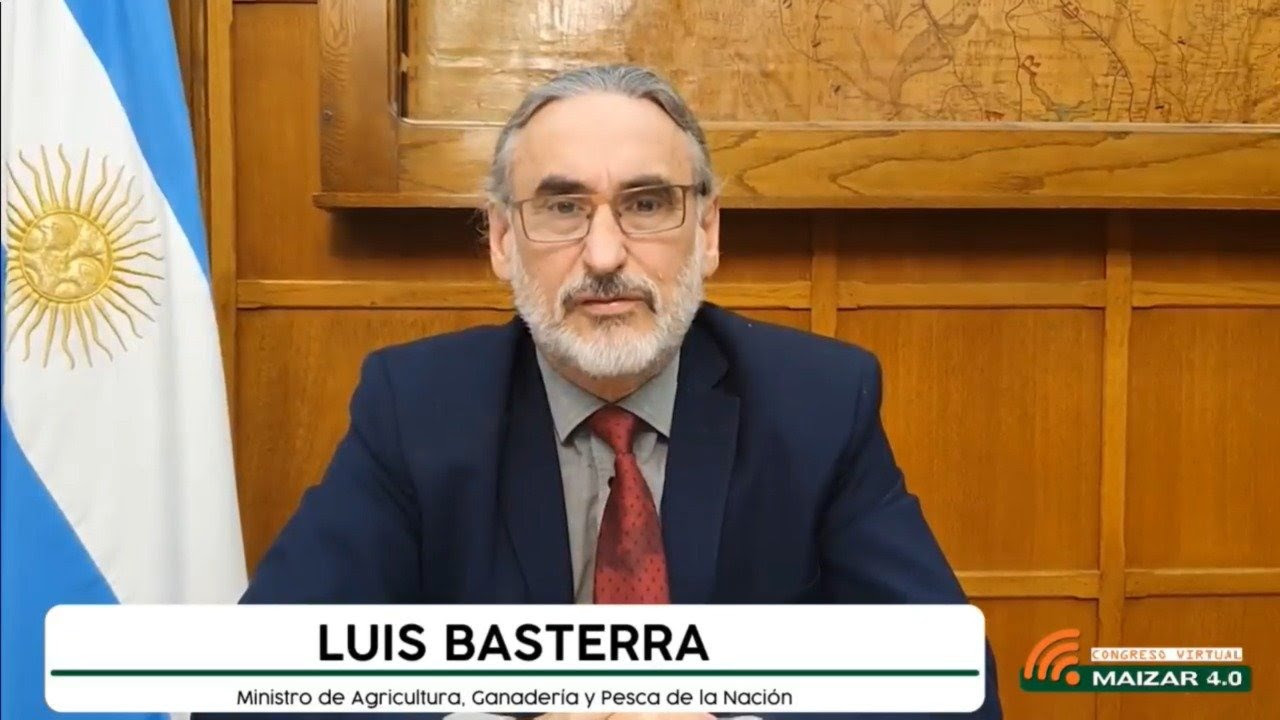 """Basterra: """"Estamos preocupados y ocupados con los hechos de vandalismo"""" en el campo"""