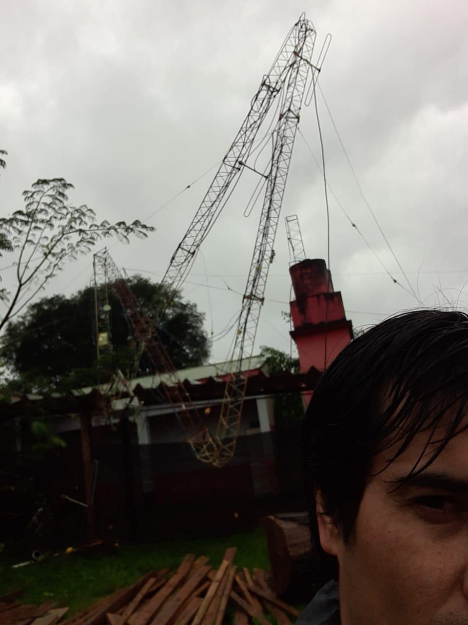 Voladuras de techos, arboles caídos y corte de servicios, el saldo de la tormenta en El Soberbio