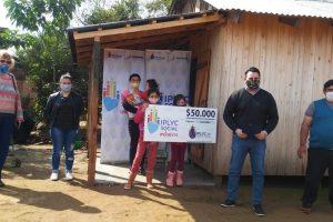 Joven madre de Caraguatay recibió cheque de IPLyC Inclusivo