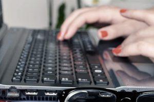 Gobierno nacional lanzará plan para comprar computadoras en 36 cuotas, dirigido a docentes