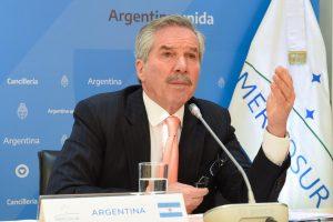 """Solá en la cumbre del Mercosur: """"Los Gobiernos pasan y el Mercosur queda"""""""