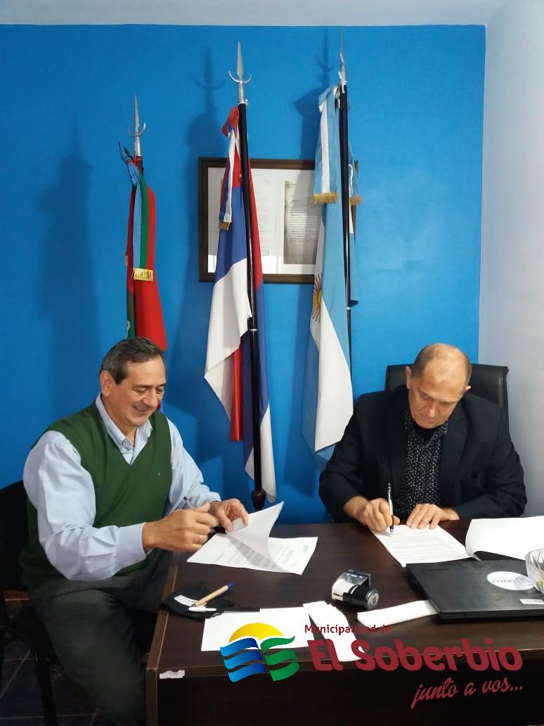 El Soberbio firmó convenio de cooperación con la Universidad Nacional del Alto Uruguay