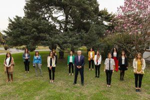 El Presidente se comprometió a fomentar la participación de las mujeres en las toma de decisiones