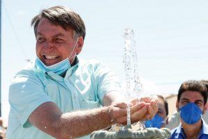 Bolsonaro insiste en minimizar la gravedad del coronavirus en su país