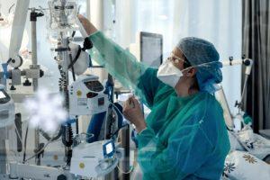 Otras 382 personas murieron y 15.718 fueron diagnosticadas con coronavirus en el país