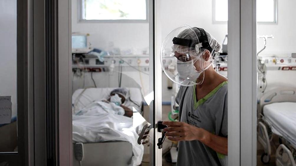 Otras 115 personas murieron y se diagnosticaron 10.776 nuevos contagios de coronavirus
