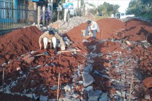 Alba Posse: Avanza obras de empedrados en Calles Posadas y Córdoba