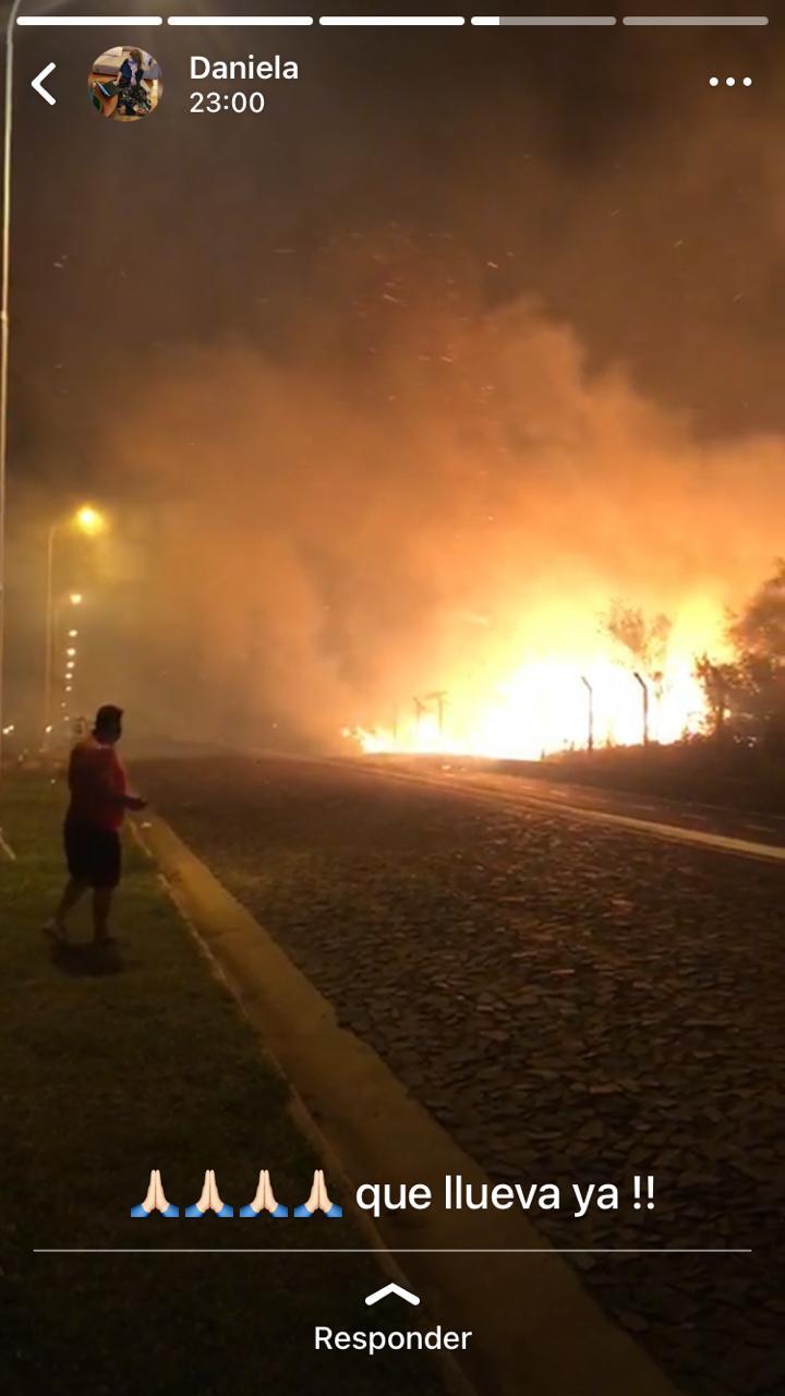 Arde Paraguay: el fuego llegó al country Agua Vista de Encarnación