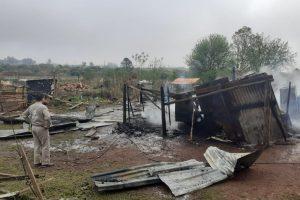 El municipio asistió a una familia que sufrió un incendio en el barrio Estepa