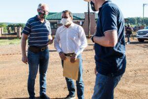 El Gobernador entregó subsidios a cuatro cooperativas rurales