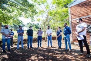 Herrera Ahuad entregó subsidio a cooperativa y plantines del plan leña renovable