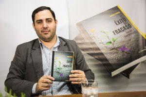 """El libro """"El éxito del fracaso. Hacer y emprender"""" se presentó en la Feria de Libro de Jujuy"""