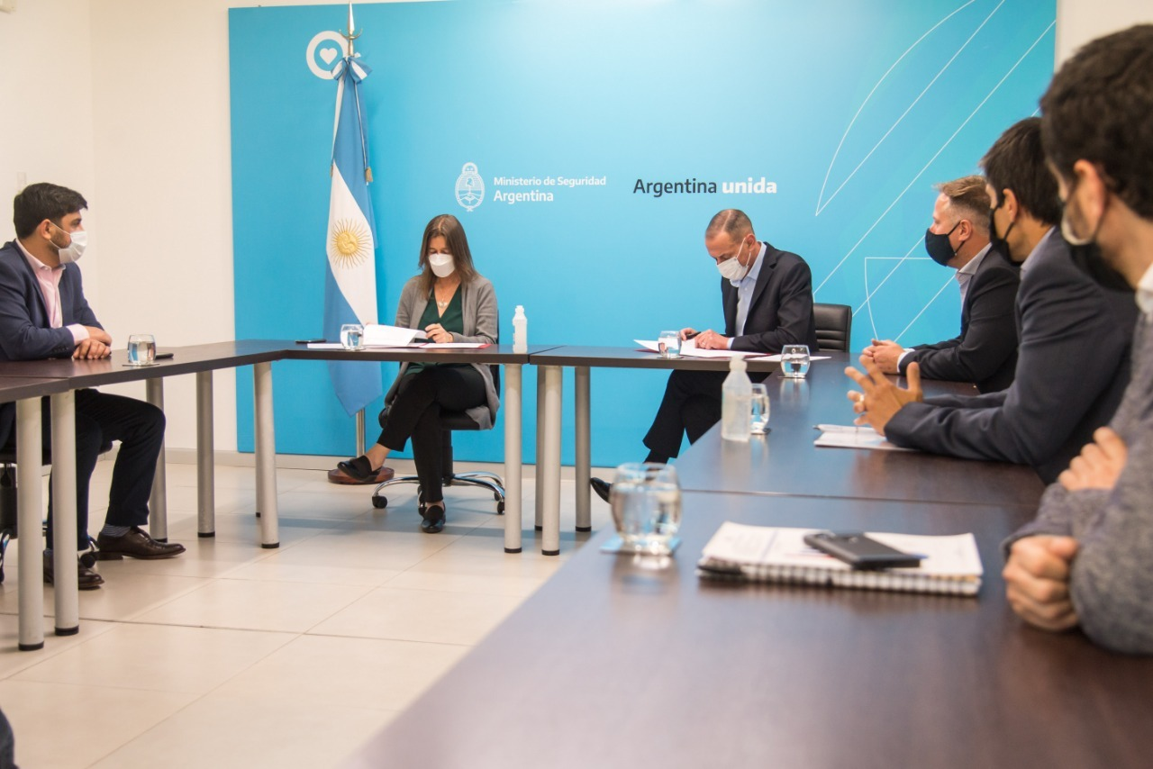 Seguridad firmó un Convenio de Colaboración con Vialidad Nacional