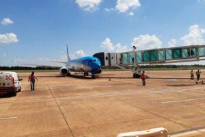 Finalmente llegó el primer vuelo regular a Puerto Iguazú luego de siete meses