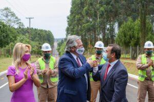 El Presidente inauguró la pavimentación de la avenida que une los municipios de Capioví y Ruiz de Montoya