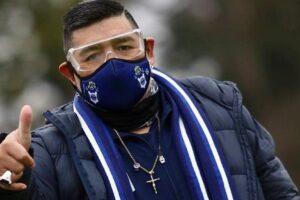 Maradona evoluciona favorablemente y podría recibir el alta