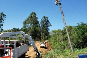 Energía de Misiones realiza trabajos en Bernardo de Irigoyen, Campo Grande y Campo Viera