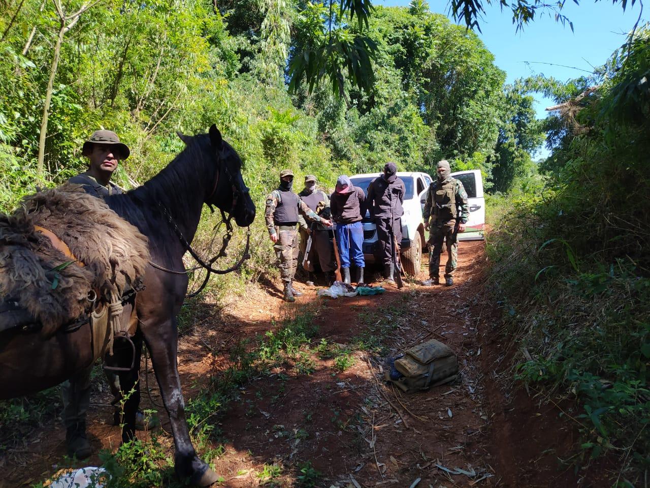 Guardaparques del GOS detienen a dos cazadores furtivos brasileños