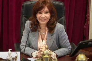 Sobreseyeron a Cristina Kirchner en una de las causas vinculadas al caso de los cuadernos