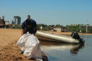 Realizan tareas de mantenimiento de los balnearios de la ciudad