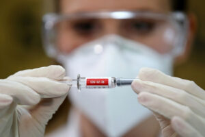 Brasil retoma los ensayos de la vacuna china de Sinovac