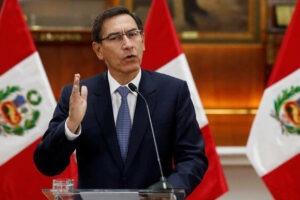 """Perú: el Congreso destituyó al presidente Martín Vizcarra por """"incapacidad moral permanente"""""""