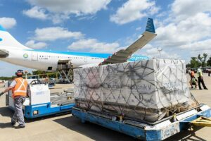 Llegó al país el vuelo de Aerolíneas Argentinas con el cuarto cargamento de vacunas Sputnik V