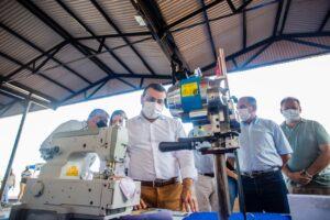 Herrera Ahuad entregó maquinaria y equipos a los ganadores del concurso Potenciar Joven