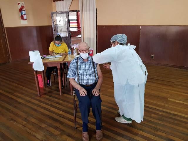 En el inicio del plan ampliado de vacunación contra el Covid 4.204 misioneros fueron inmunizados