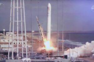 Paraguay lanzó su primer satélite