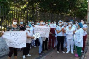 En medio de protestas y al borde del colapso sanitario, el Senado paraguayo pide cambios en Salud